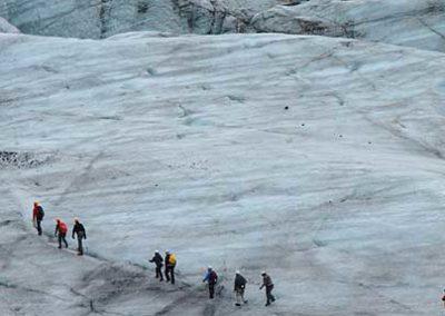 Islandia-paseo-glaciar crampones