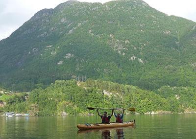 fiordos-noruegos-kayak